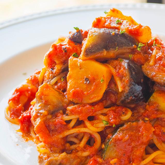 ナスとパンチェッタの<br>トマトソースパスタ